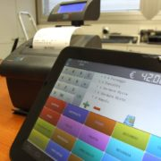 cassa su tablet e stampante